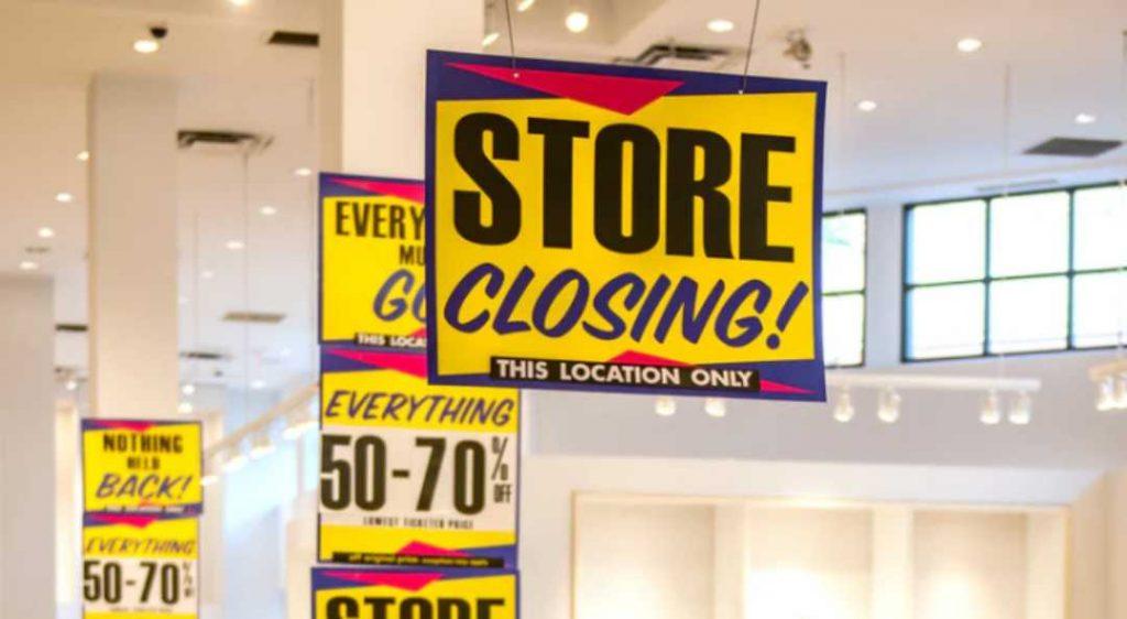Does Walmart Close