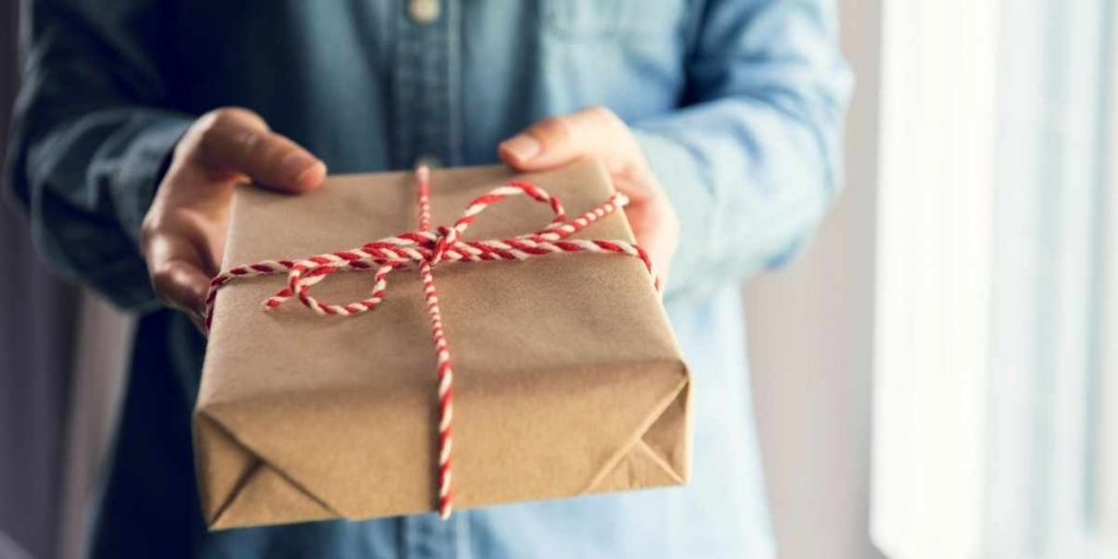 What's The Difference Between Amazon Gift Wrap And Amazon Boxes?