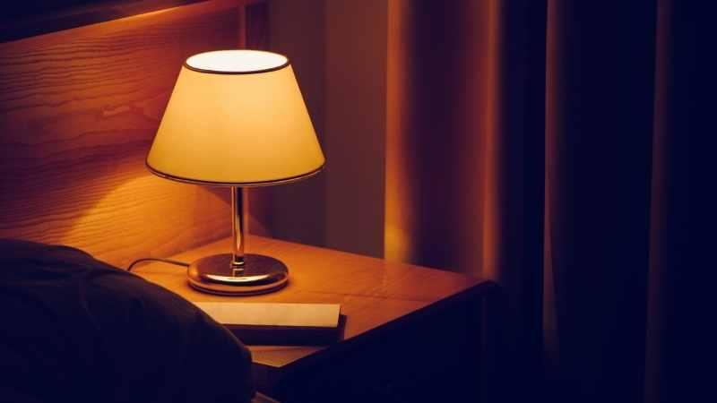 Do IKEA Lamps Need IKEA Bulbs